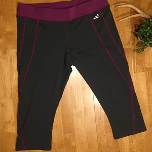 bcg yoga capris never worn